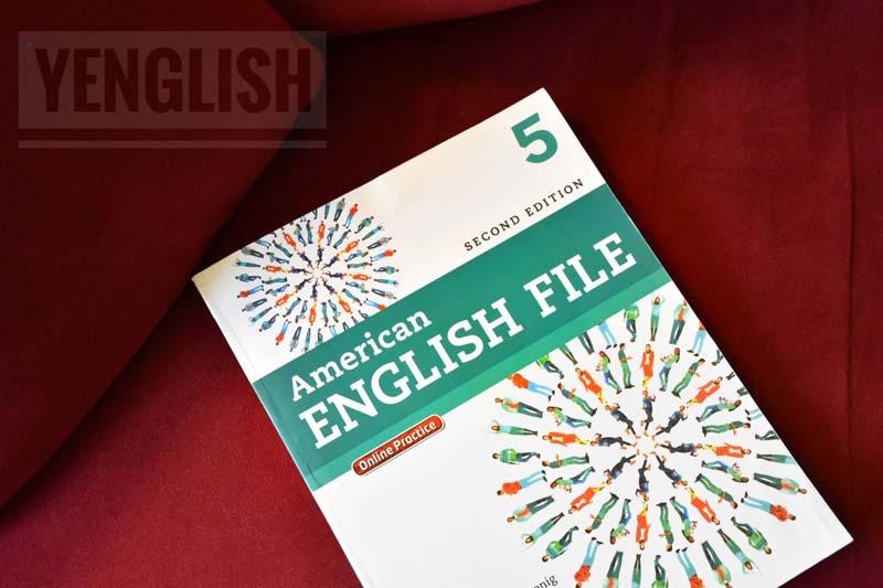 an English coursebook YEnglishtube